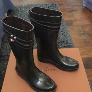 Coach brown rain boots NWT Size 6 💥Today Only💥